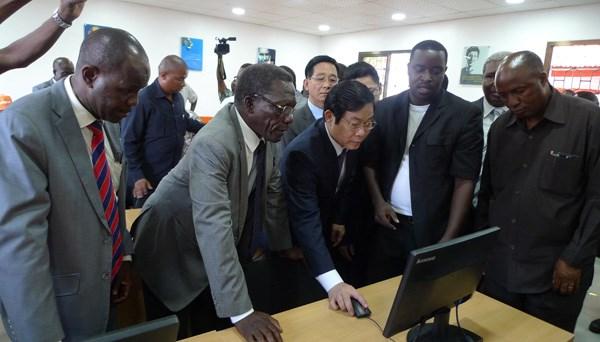 Le Vietnam et l'Afrique du Sud renforcent leur cooperation dans les telecommunications hinh anh 1