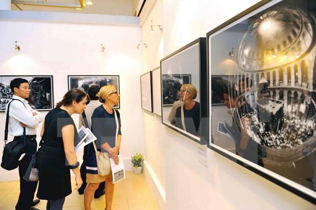 Un photographe israelien s'expose a Hanoi hinh anh 1