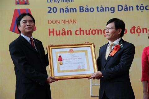Le Musee d'ethnographie recoit l'Ordre du Travail de 1re classe hinh anh 1