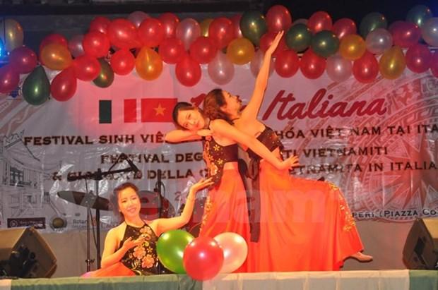 La Journee culturelle du Vietnam en Italie impressionne les amis etrangers hinh anh 1