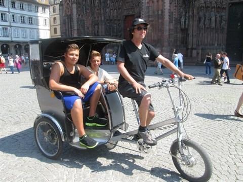 Le cyclo-pousse, la mascotte des Vietnamiens a l'etranger hinh anh 3