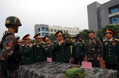 Vietnam-Chine : collaboration entre deux zones militaires hinh anh 1
