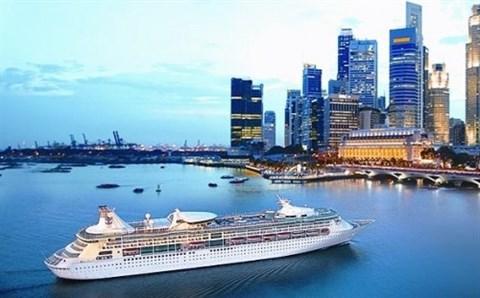 Saigontourist accueille les 1.700 passagers du Legend of the Seas hinh anh 1