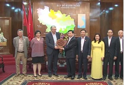Une delegation du Parti communiste francais visite a Bac Ninh hinh anh 1
