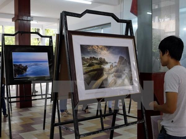 Exposition photographique sur les patrimoines nationaux a Da Nang hinh anh 1