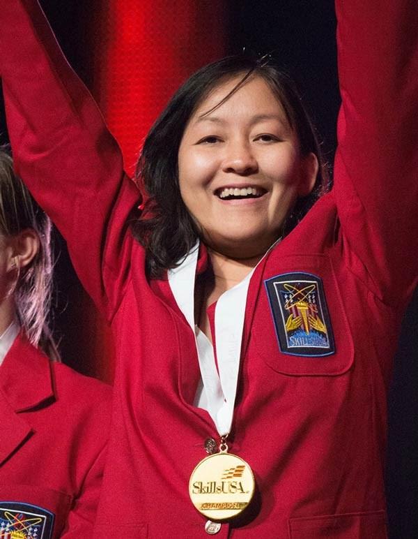 Une etudiante vietnamienne remporte la medaille d'or au concours Skills USA hinh anh 1