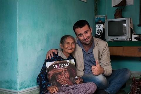 «La plus belle vieille femme du monde» a Hoi An hinh anh 2