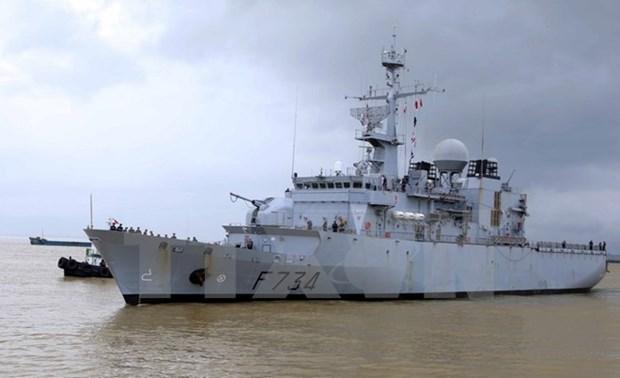 Un navire de la Marine nationale francaise a Da Nang hinh anh 1