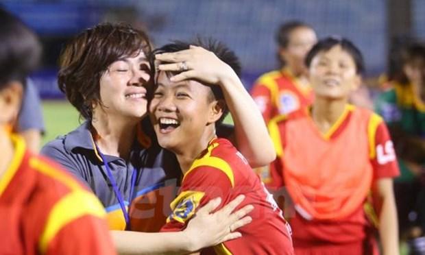 Football feminin : ouverture du tournoi Open Ho Chi Minh-Ville 2015 hinh anh 1