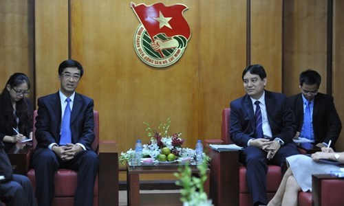 Echanges et rencontres a l'occasion de la visite de Xi Jinping hinh anh 1