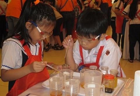Quand les enfants font des experiences scientifiques hinh anh 1