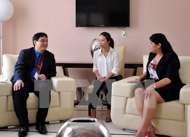 Une delegation de l'Union de la Jeunesse communiste Ho Chi Minh en visite officielle a Cuba hinh anh 1