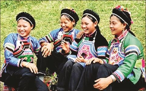 Des traits culturels originaux de l'ethnie Bo Y hinh anh 1