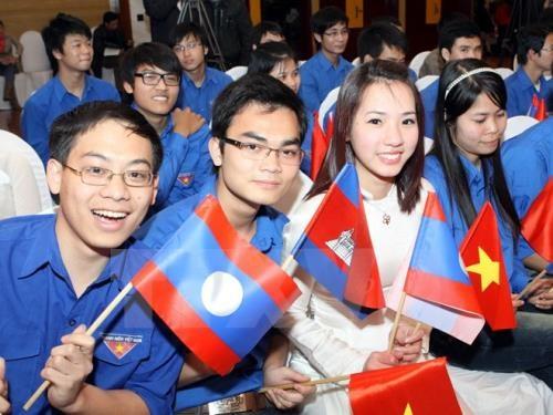 Vietnam-Laos-Cambodge: les jeunes cooperent dans le developpement economique hinh anh 1
