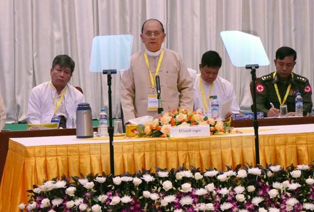 Myanmar : le president rassurant sur le transfert du pouvoir a Aung San Suu Kyi hinh anh 1