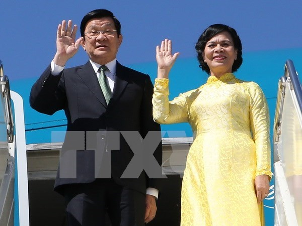 Truong Tan Sang part pour le 23e Sommet de l'APEC aux Philippines hinh anh 1