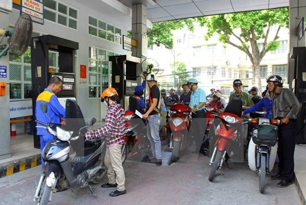 Legere baisse des prix des carburants hinh anh 1
