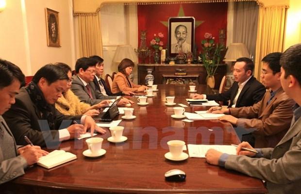 Da Nang promeut le developpement du tourisme avec les entreprises britanniques hinh anh 1