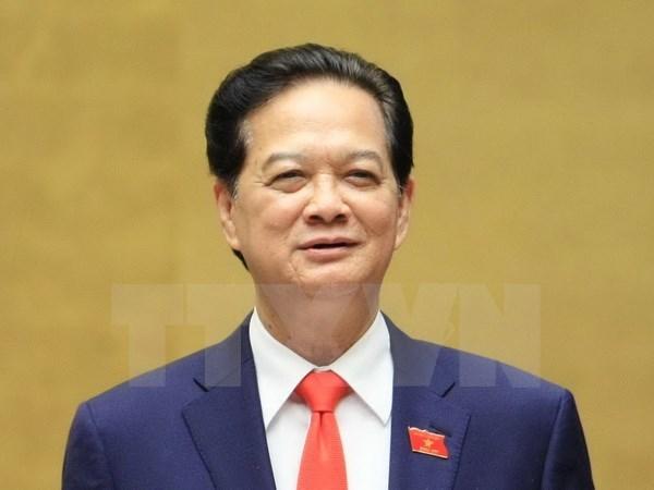 Le PM Nguyen Tan Dung part pour le 27e Sommet de l'ASEAN a Kuala Lumpur hinh anh 1
