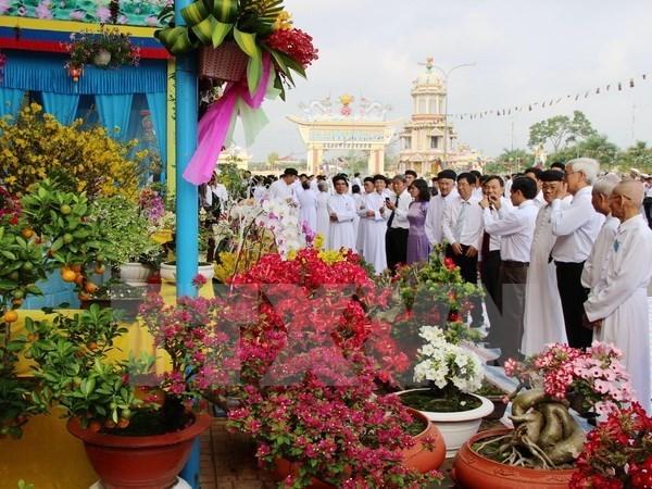 Le president du FPV Nguyen Thien Nhan felicite les pratiquants du caodaisme hinh anh 1