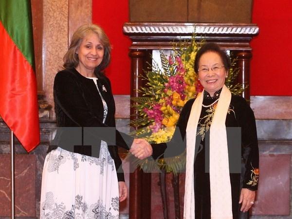 Entretien entre les vice-presidentes vietnamienne et bulgare hinh anh 1