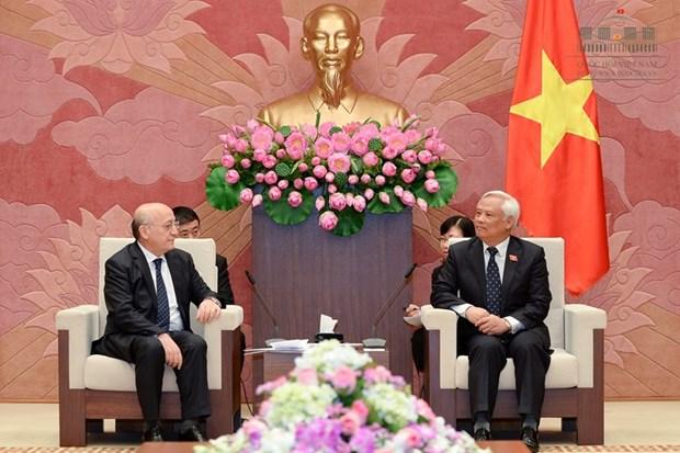Renforcement de la cooperation entre le PCV et le Parti Yeni Azerbaijan hinh anh 2