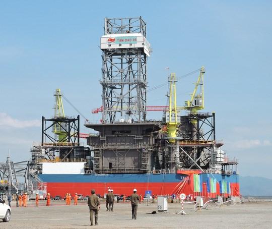Mise a l'eau de la plate-forme petroliere auto-elevatrice Tam Dao 05 hinh anh 1