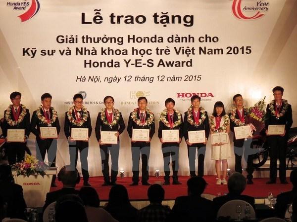 Des jeunes Vietnamiens recoivent le prix Honda YES Award hinh anh 1