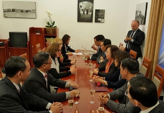 Promouvoir la cooperation entre Hanoi et Varsovie hinh anh 1
