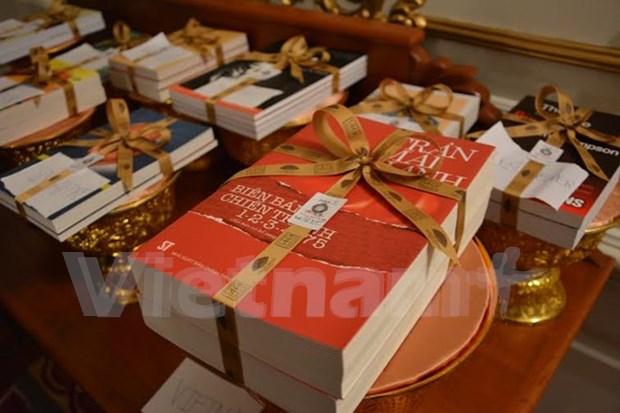 Tran Mai Hanh recoit le prix litteraire de l'ASEAN hinh anh 2