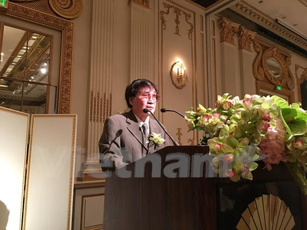 Tran Mai Hanh recoit le prix litteraire de l'ASEAN hinh anh 1