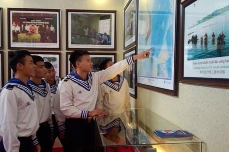 Exposition sur Hoang Sa et Truong Sa du Vietnam a Bac Giang hinh anh 1
