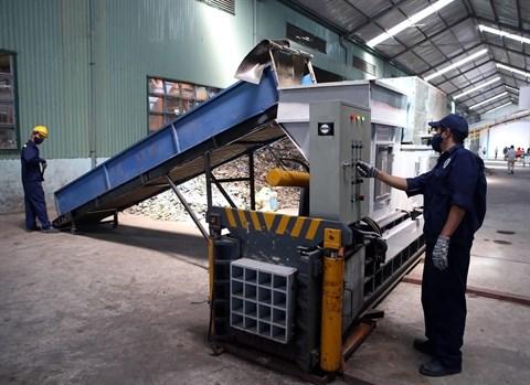 Donner la priorite au secteur prive dans le traitement des dechets hinh anh 1