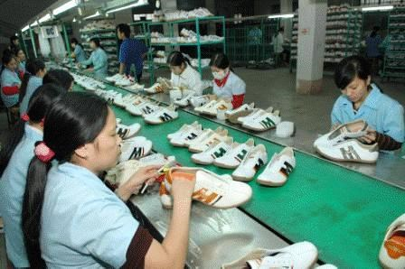 Chaussures et sandales: l'objectif de 12 milliards de dollars d'exportation est en vue hinh anh 1