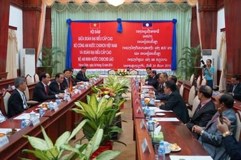 Le ministre Tran Dai Quang en visite de travail au Laos hinh anh 1