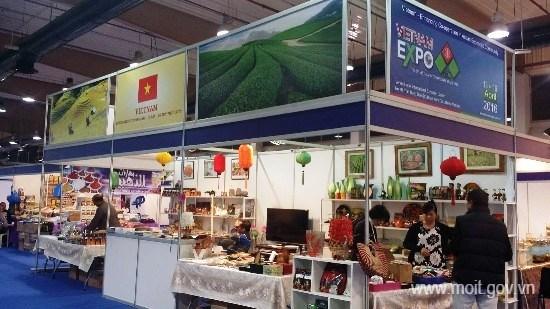 Promotion des marchandises vietnamiennes au Koweit hinh anh 1