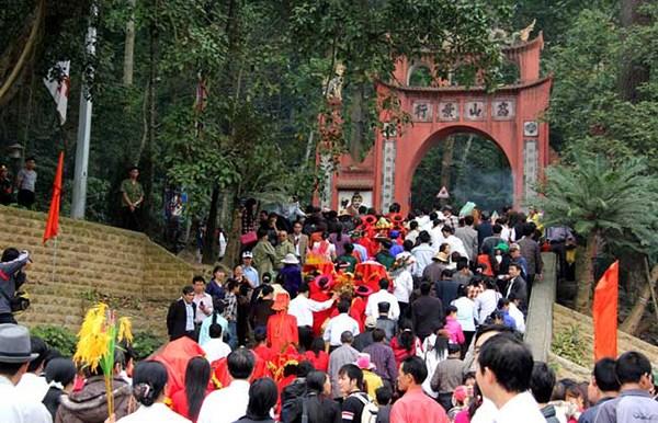 Le culte des rois Hung reunit la communaute vietnamienne hinh anh 1