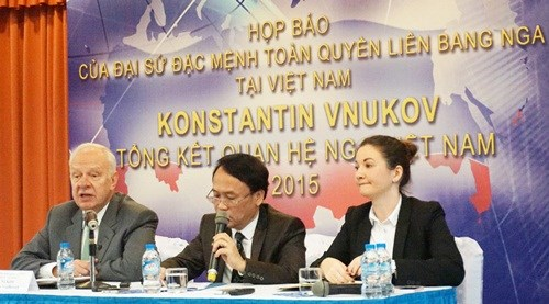 Conference de presse sur le bilan des relations Vietnam–Russie en 2015 hinh anh 1