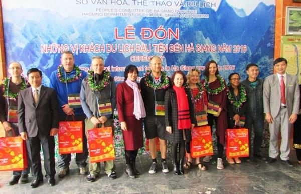 Ha Giang accueille ses premiers visiteurs etrangers de l'annee 2016 hinh anh 1