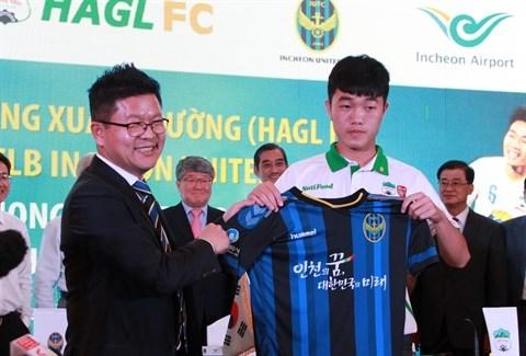 Transfert reussi d'un jeune footballeur vietnamien vers la Republique de Coree hinh anh 1
