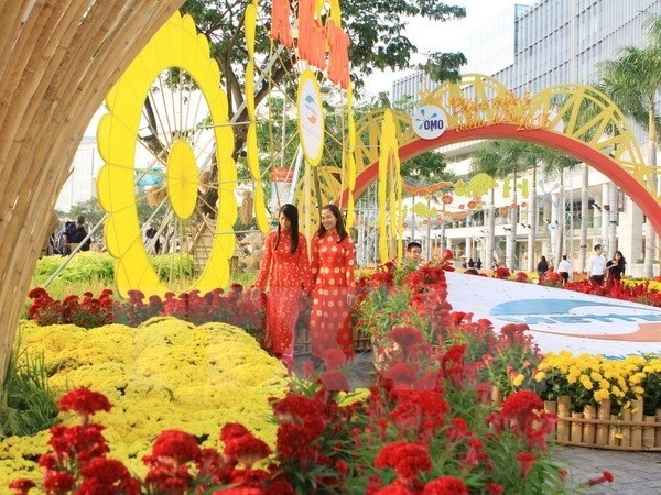 Ho Chi Minh-Ville : Festival des fleurs a l'occasion du Nouvel An lunaire hinh anh 1