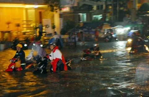 HCM-Ville : 437 millions de dollars pour la gestion des risques d'inondation hinh anh 1