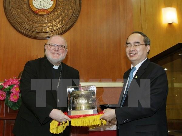 Le president du FPV Nguyen Thien Nhan recoit le president du Conseil episcopal allemand hinh anh 1