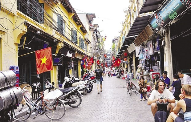 Hanoi escompte 21,2 millions de visiteurs en 2016 hinh anh 1