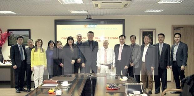 Connecter les entreprises vietnamiennes en Suisse et celles en Russie hinh anh 1