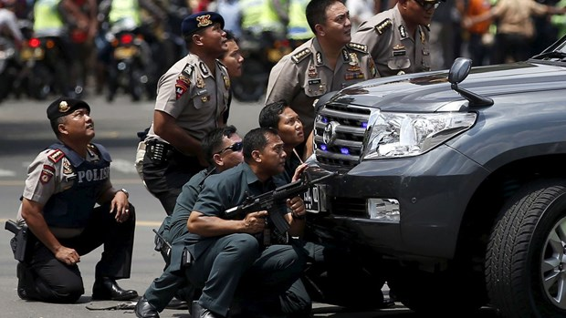 L'ASEAN et la Chine condamment les attaques terroristes a Jakarta hinh anh 1