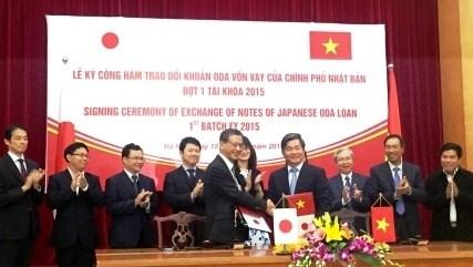 Le Japon accorde plus de 800 millions de dollars d'APD au Vietnam hinh anh 1