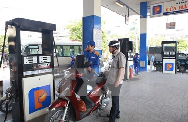 Le prix de l'essence baisse de pres de 600 dongs le litre hinh anh 1