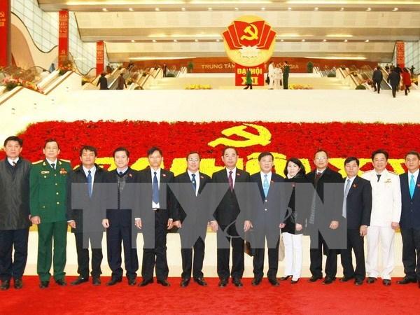 Congres du Parti: poursuite des discussions sur le travail du personnel hinh anh 1