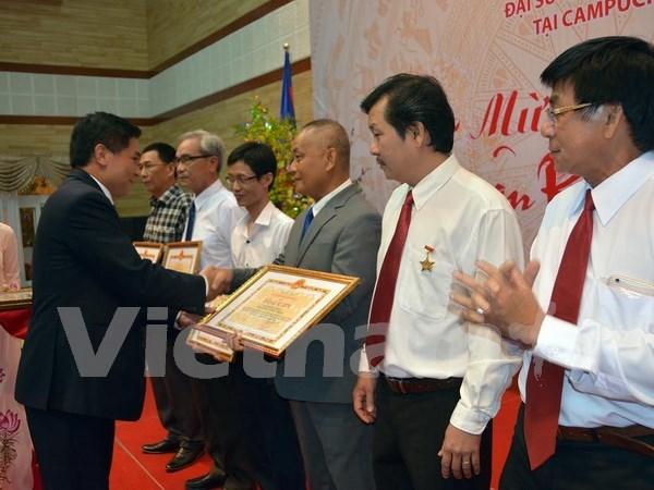 Les Viet Kieu au Cambodge et a Macao fetent le Tet du Singe 2016 hinh anh 2